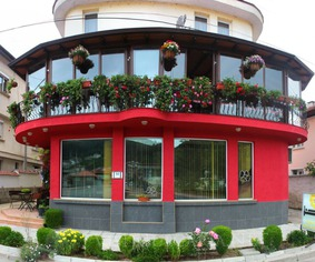smolyan black singles Smolyan pamporovo  1 king bed, 2 single beds, 2 sofa beds bedroom 5 2 single beds  more places to stay in pamporovo: apartments houses lofts .